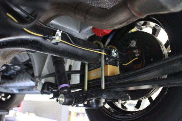 ハイエース GDH201V ローダウンブロックの取り付け 四輪アライメント調整