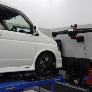 ステップワゴンRF7 タイヤ交換 四輪アライメント調整