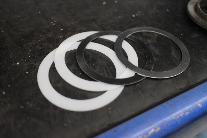WRX 車高調スラストシート取り付け