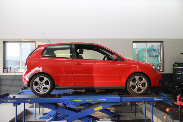 ポロ GTI 9N ビルシュタイン車高調取り付け 四輪アライメント調整