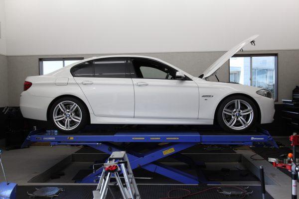 BMW F10 ダウンサス取り付け 四輪アライメント調整