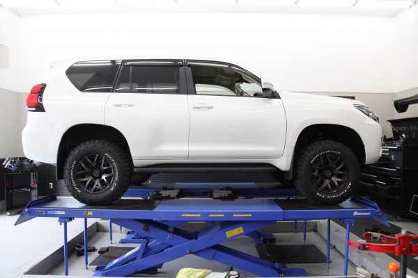 プラド JAOS車高調取り付け 四輪アライメント調整
