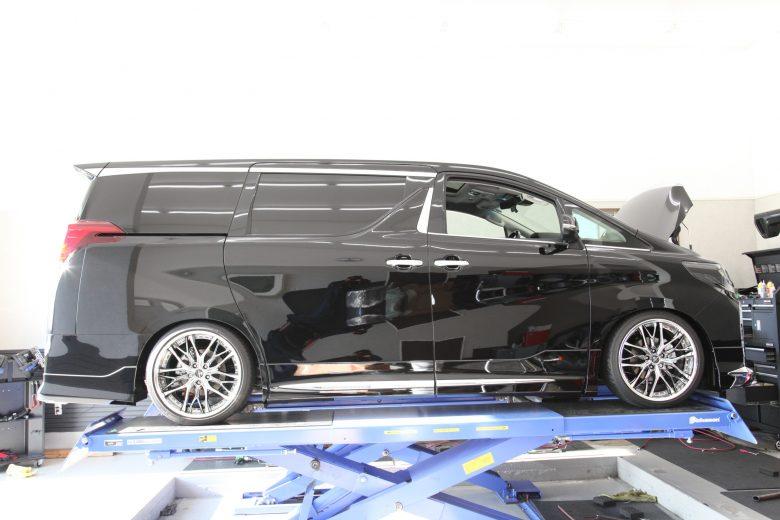 アルファード AGH30W 車高調取付 サスペンションパーツ 四輪アライメント調整