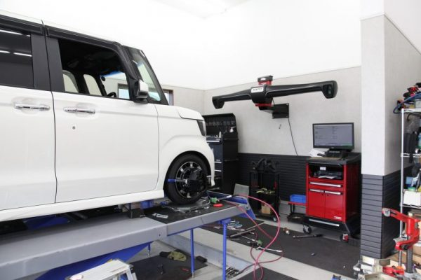 NBOX JF3 フロント車高調交換 四輪アライメント タイヤ交換