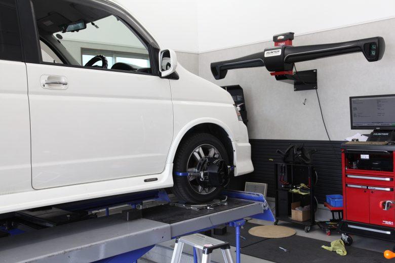 ステップワゴン サスペンション交換 四輪アライメント調整