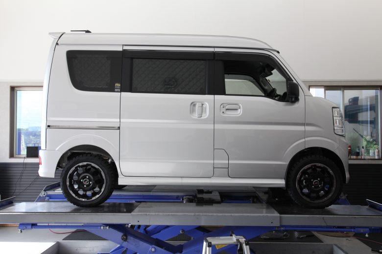 スクラムワゴン DR17W アップスプリング取り付け 四輪アライメント調整