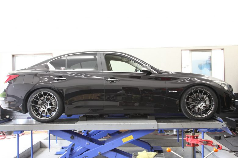 HV37 スカイライン HKS車高調取り付け 四輪アライメント調整
