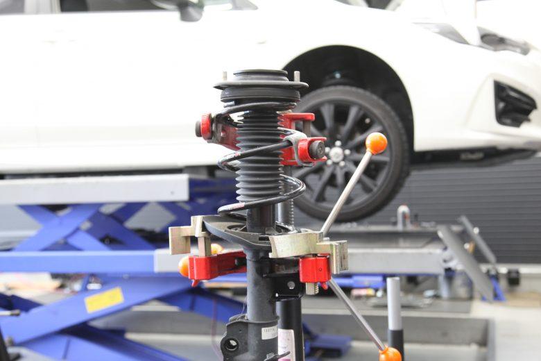 フロントサスペンション交換 GT3