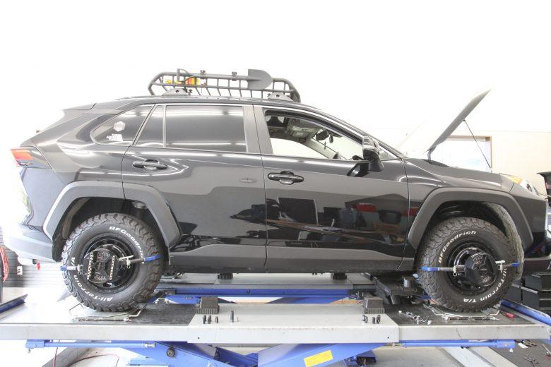 RAV4 EAZY-UP REAR EX-BRACKETの取り付け 四輪アライメント調整