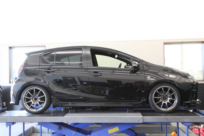 アクア NHP10 HKS車高調取り付け 四輪アライメント調整