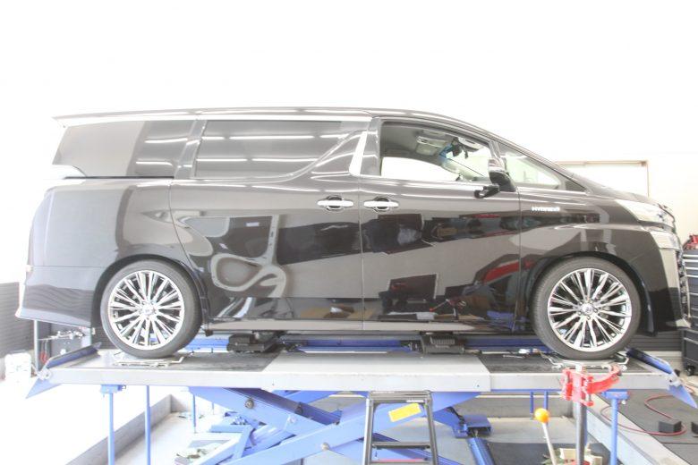ヴェルファイア AYH30W HKS車高調取り付け 四輪アライメント調整