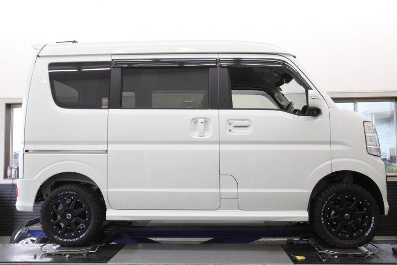 エブリイ DA17W アップスプリング交換 タイヤ交換 四輪アライメント調整