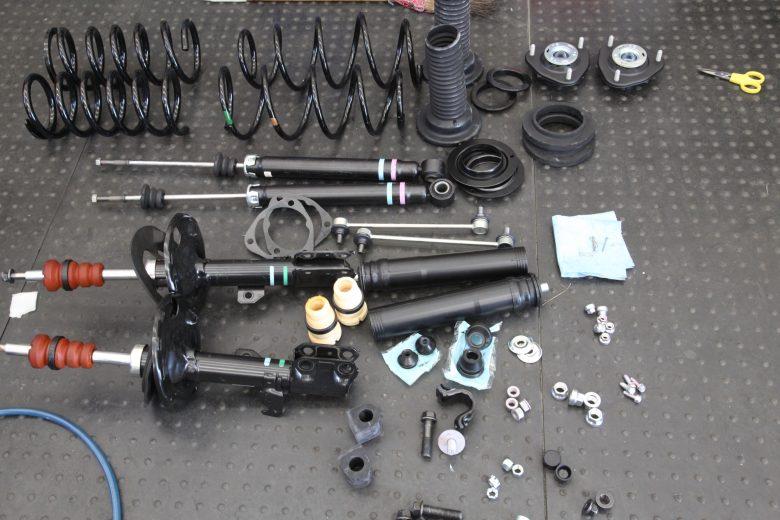 ノア ZRR70G サスペンション交換 四輪アライメント調整