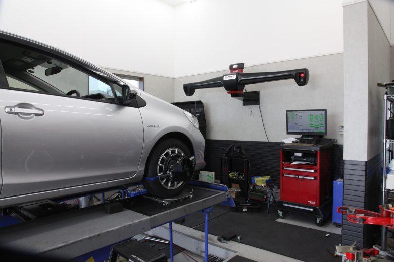 アクア NHP10 持ち込みタイヤ交換 四輪アライメント調整
