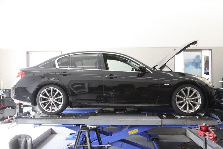 スカイライン V36 TEIN車高調取り付け タイヤ交換