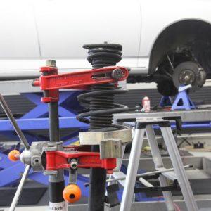 ヴォクシー ZRR70G KYBショック交換 四輪アライメント調整