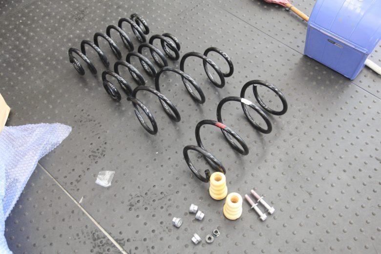 ヴェルファイア ATH20W スプリング交換 四輪アライメント調整