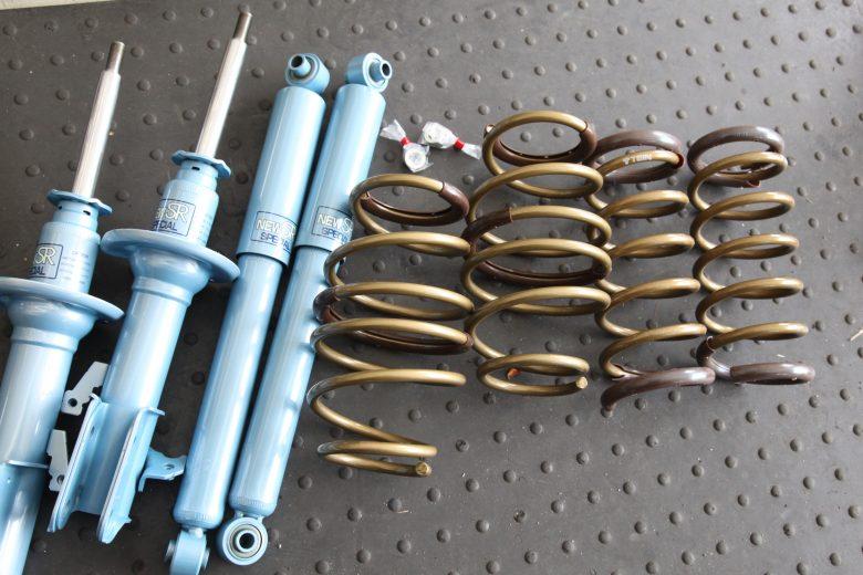 ワゴンR TEINのハイテクダウンサス KYB NewSRスペシャルショック 四輪アライメント調整