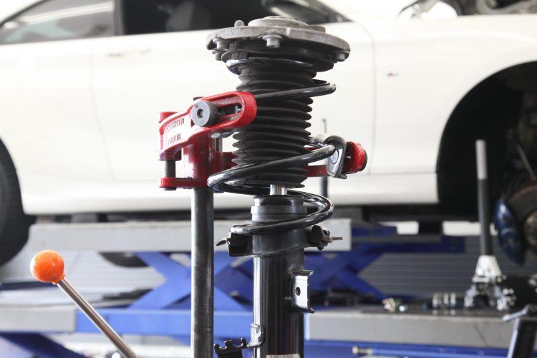 BMW 235i サスペンション交換 四輪アライメント調整