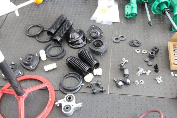 フォレスタ SG5 サスペンション交換 四輪アライメント調整