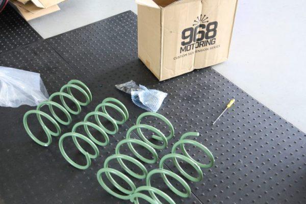 エクストレイル アップスプリング取り付け 四輪アライメント調整