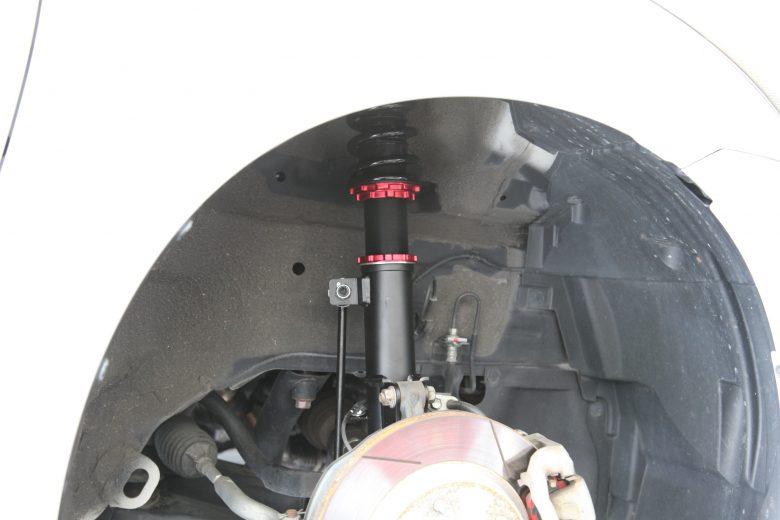 スイフト ZC32 ブリッツ車高調取り付けと四輪アライメント調整