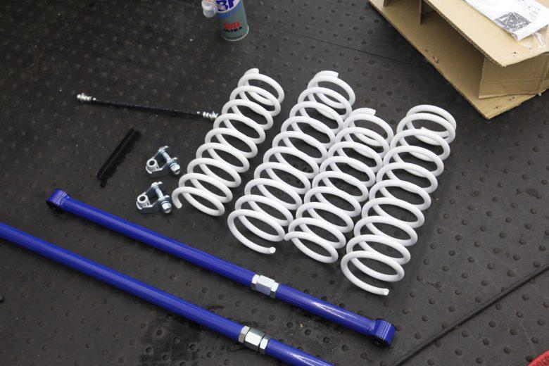 ジムニー JB64W シーエルリンク1インチアップキット取り付けと四輪アライメント調整