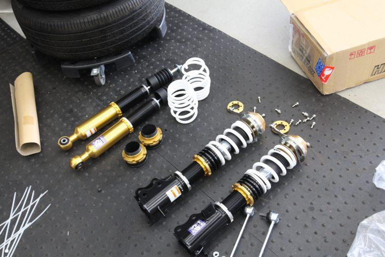 スイフト ZC33S HKS車高調取り付けと四輪アライメント調整