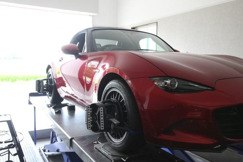 ロードスター 持ち込みタイヤ交換と四輪アライメント