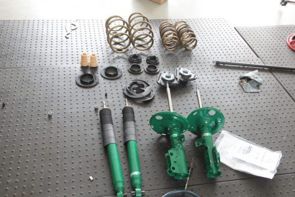 SAI サスペンション交換と四輪アライメント